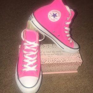 Women's pink high top converse 8 1/2